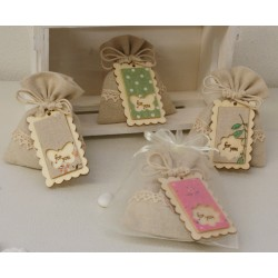 Sacchetto vuoto di cotone con bordo pizzetto e targhetta legno For you 4 modelli assortiti e contenitore in organza