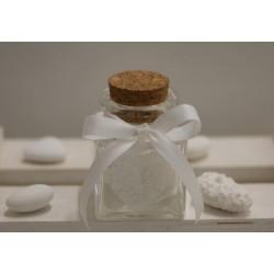 Barattolino di vetro vuoto con nastro di grosgrain bianco latte