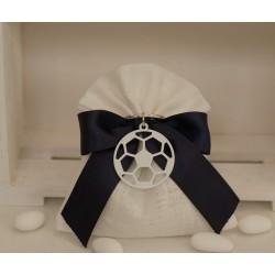 Sacchetto di lino avorio confezionato con portachiavi Pallone calcio