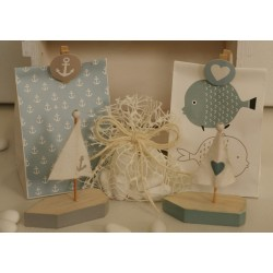 Barchetta legno con vela e cuore confezionata