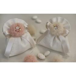 Sacchetto di lino avorio confezionato con ponpon tulle Avorio e gioiello smaltato fiore