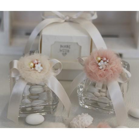 Scatolina vetro confezionata con ponpon avorio e gioiello