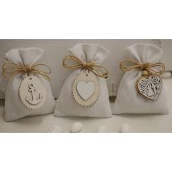 Sacchetto vuoto di tela bianco latte con appendino cuore con Sposi.