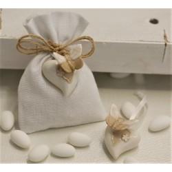 Sacchetto vuoto di tela bianco latte con appendino porcellana cuore con farfalla 2 ass.