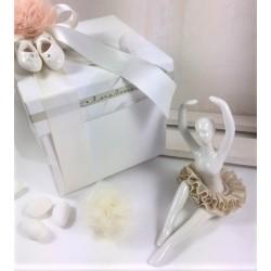 Ballerina porcellana avorio con tutù pizzo tortora confezionata