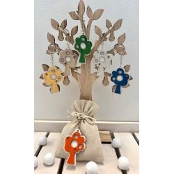 Sacchetto vuoto tessuto avorio con Portachiavi legno Albero della Vita colori assortiti