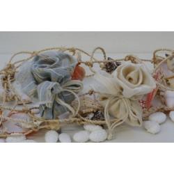 Rosa Avorio interamente confezionata a mano con corda e 5 confetti finissimi alla mandorla di Avola.