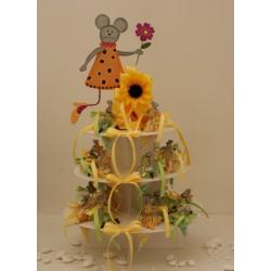 Alzata cartoncino completa di 24 coni con Topolino grande centro alzata, confezionati con confetti e mimose