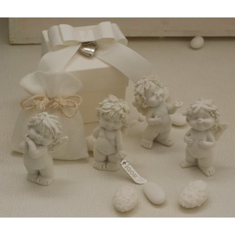 """""""Igor amoroso"""" in 4 modelli assortiti confezionato con scatola, cuoricino pendente, sacchetto e confetti"""