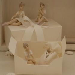 Ballerina media di porcellana 3 modelli assortiti confezionata con scatola e sacchetto confetti con scarpette da ballo