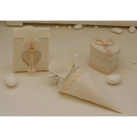 Scatolina a cuore vuota in tessuto Avorio con fiocco e bottoncino