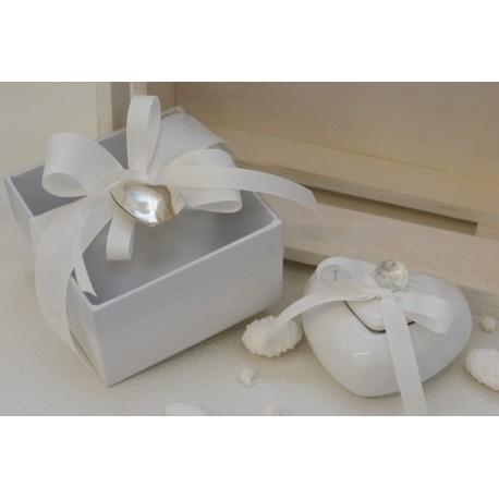 Scatola porcellana bianca a cuore con pomolo di cristallo confezionata